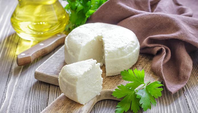 Ритейлеры убрали сполок неаутентичный адыгейский сыр